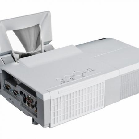 Hitachi CP A220N Projector 2200 Short Throw Hdmi
