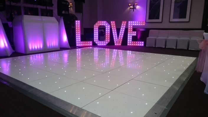 devere new place arden suite white led twinkle dancefloor and colour changing love letters