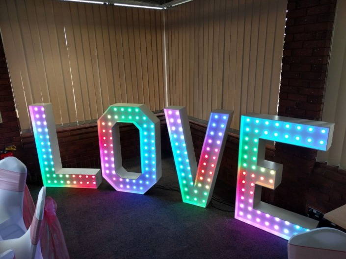 4ft colour changing led love letters hire mountbettern center