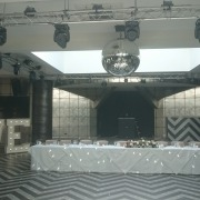 5ft LOVE at gatsby room at old thorns