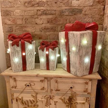 LED Christmas Present Prop